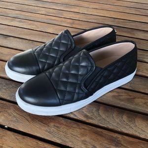 Steve Madden Zaander slip on sneakers size 9